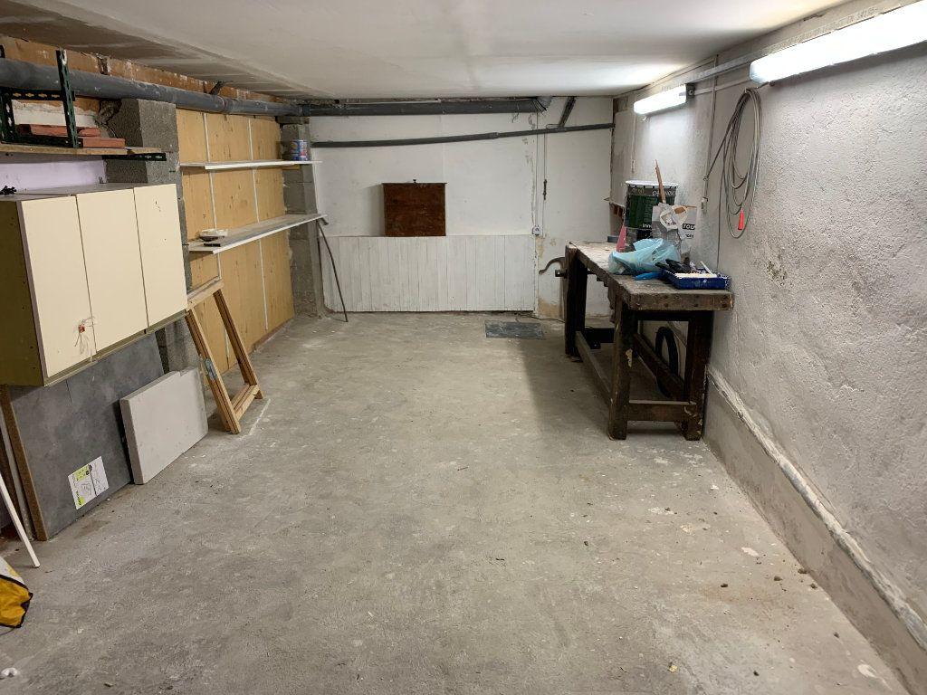 Appartement à louer 1 31.82m2 à Nîmes vignette-10