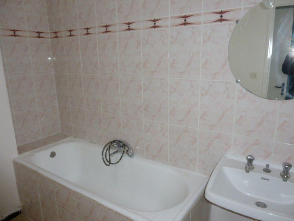 Appartement à louer 3 63m2 à Nîmes vignette-3