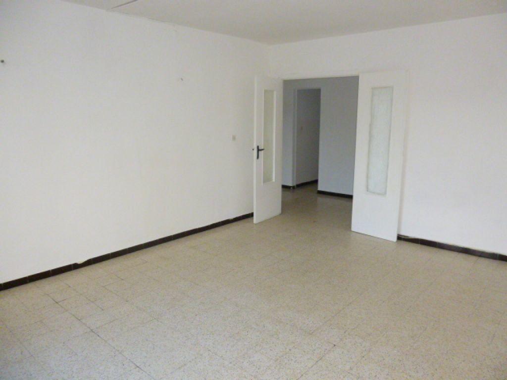 Appartement à louer 3 63m2 à Nîmes vignette-5