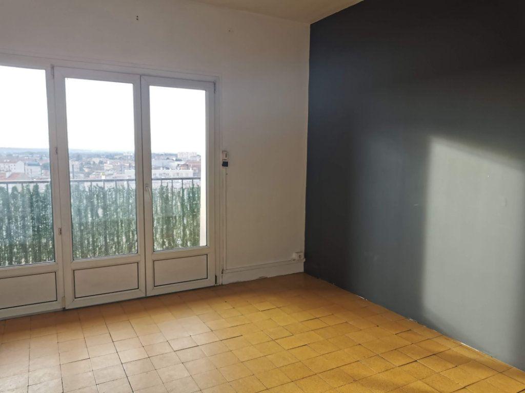 Appartement à vendre 4 68m2 à Nîmes vignette-3