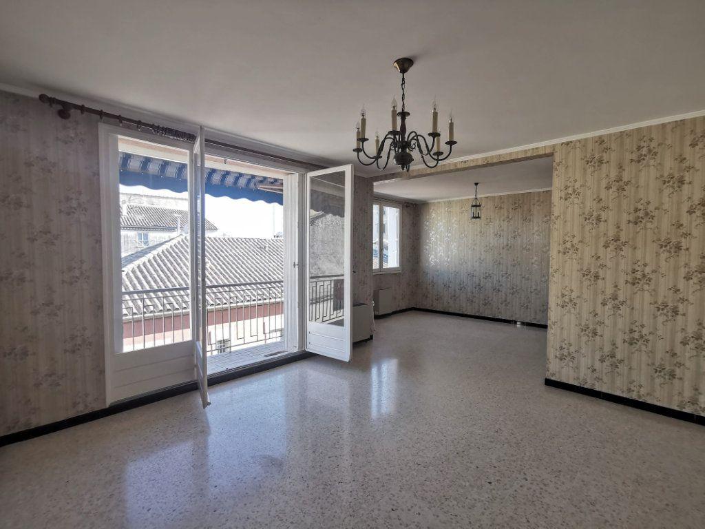 Appartement à vendre 3 80m2 à Nîmes vignette-2