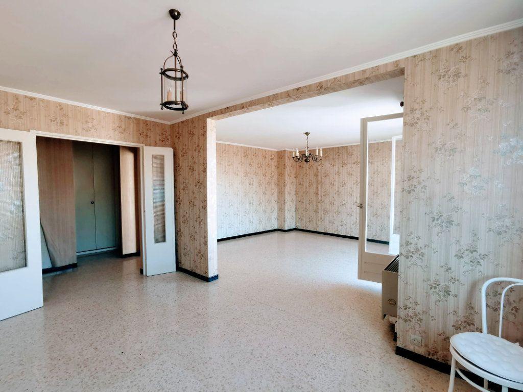 Appartement à vendre 3 80m2 à Nîmes vignette-3