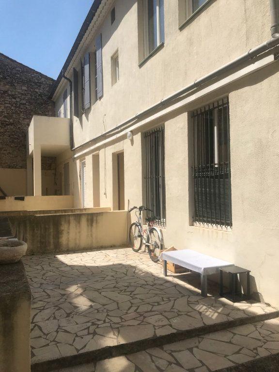Appartement à louer 3 57m2 à Nîmes vignette-8