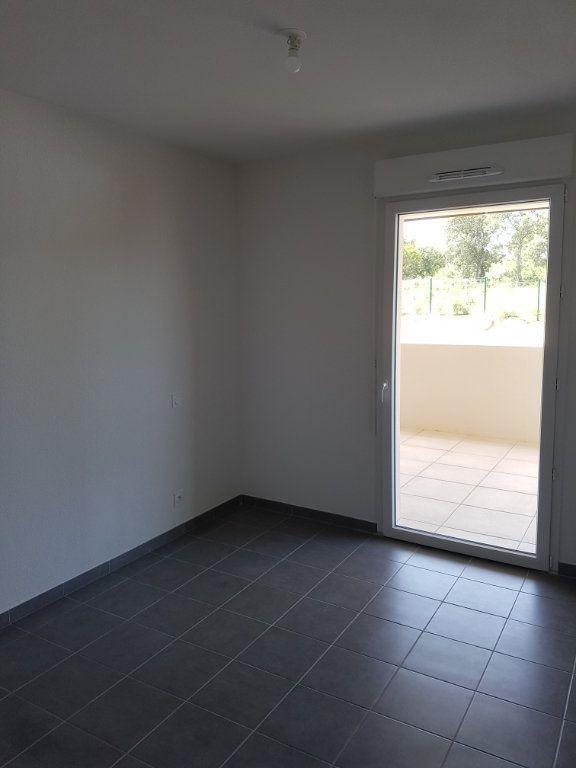 Appartement à louer 3 65.28m2 à Nîmes vignette-6