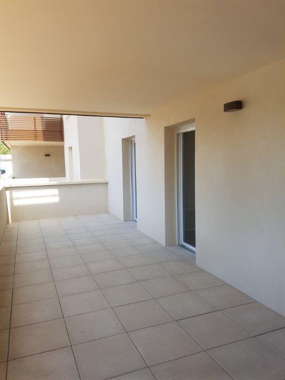 Appartement à louer 3 65.28m2 à Nîmes vignette-12