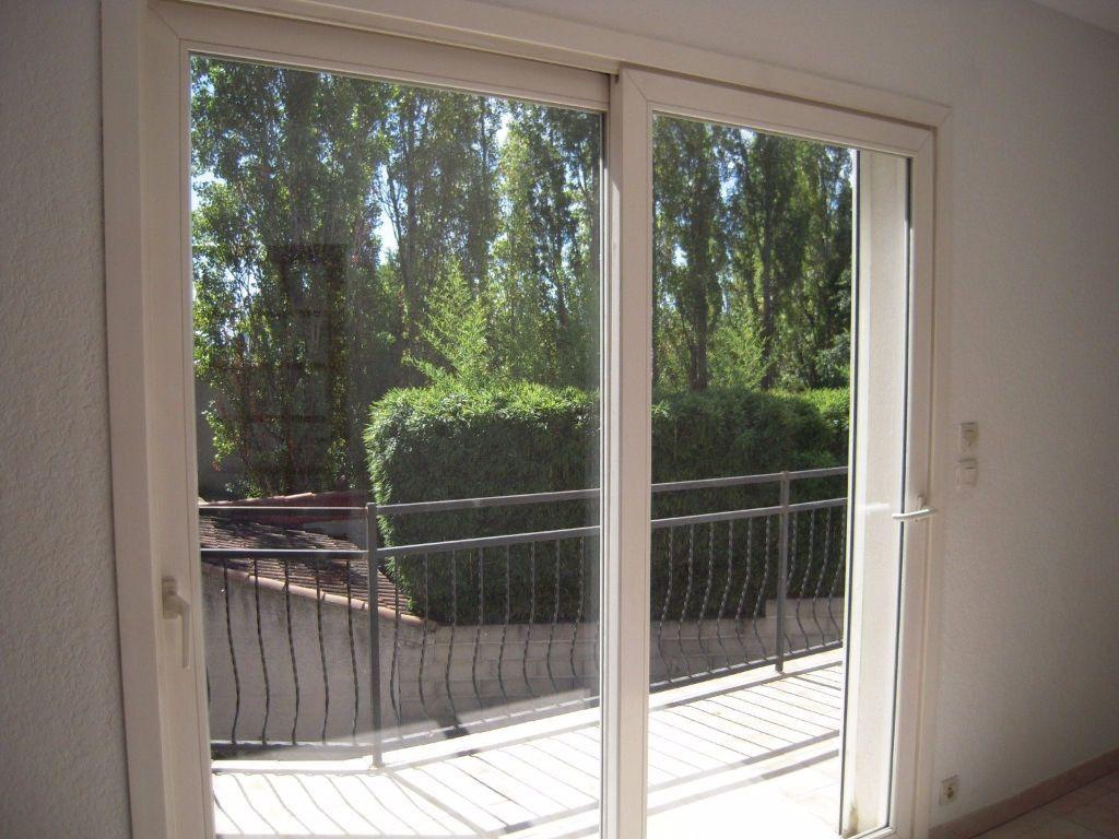 Appartement à louer 3 60m2 à Nîmes vignette-2