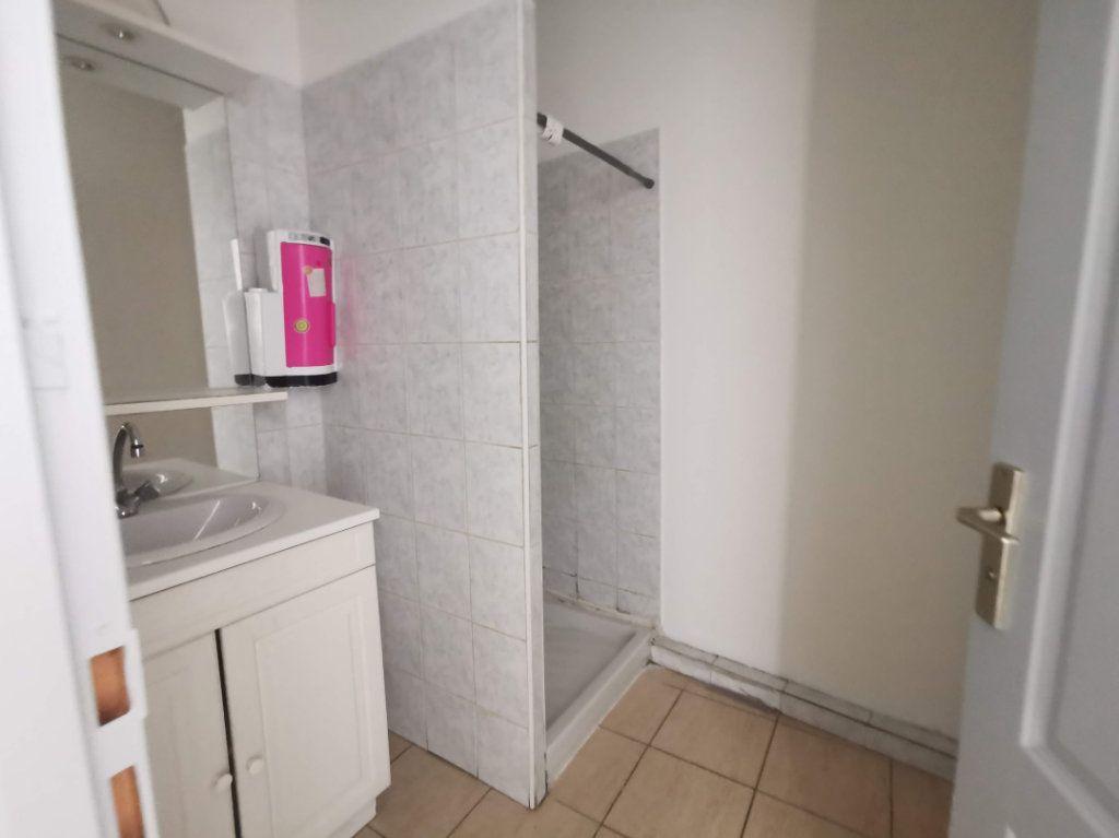 Appartement à vendre 1 37m2 à Nîmes vignette-5