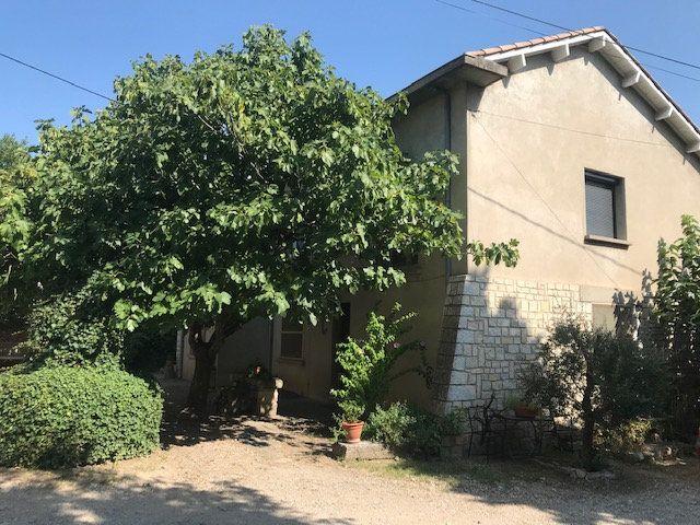 Appartement à louer 4 84m2 à Nîmes vignette-2