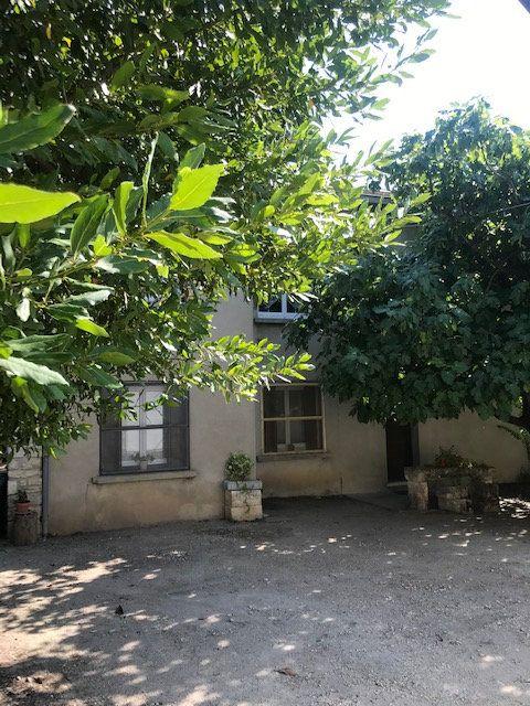 Appartement à louer 4 84m2 à Nîmes vignette-12