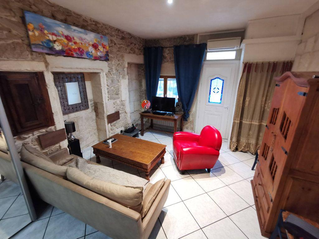 Appartement à vendre 3 57m2 à Nîmes vignette-2