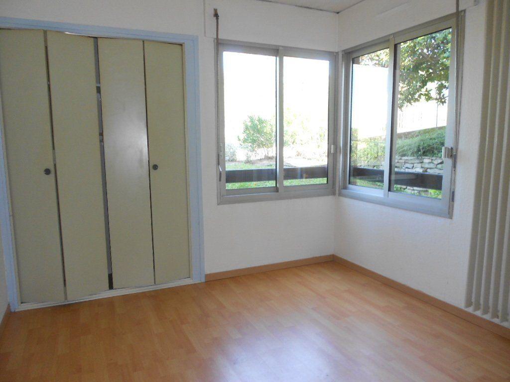 Appartement à louer 3 77m2 à Nîmes vignette-5