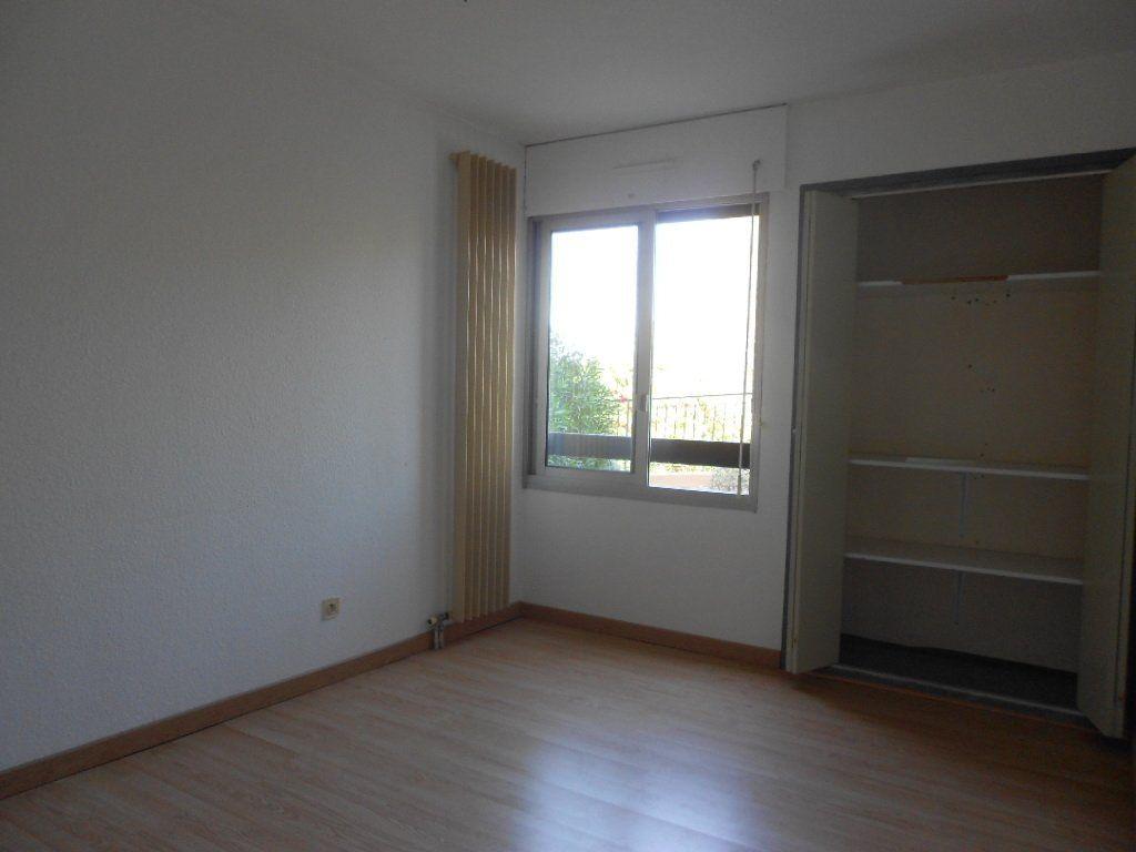 Appartement à louer 3 77m2 à Nîmes vignette-6