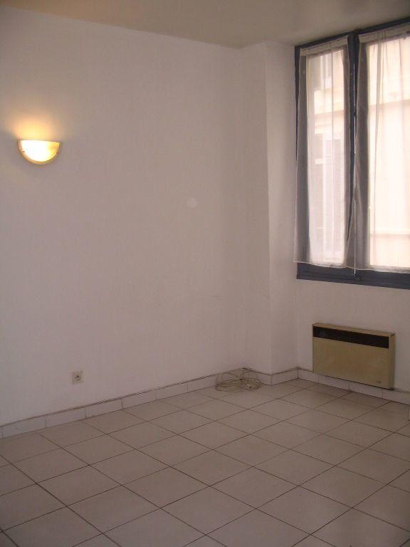 Appartement à louer 2 47m2 à Nîmes vignette-3