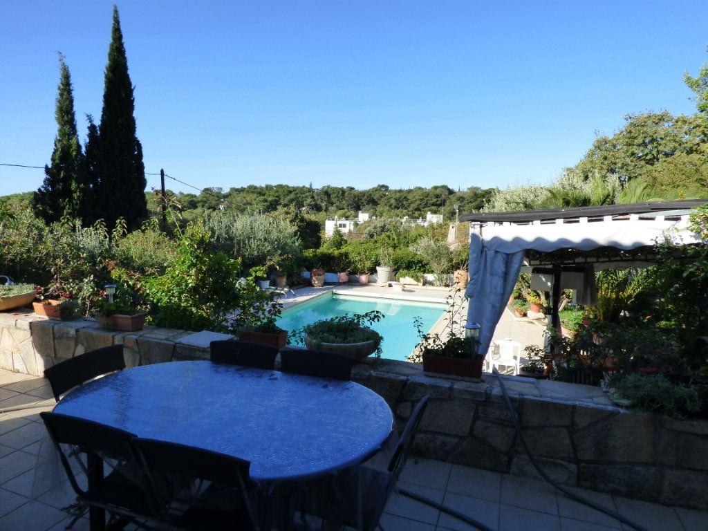 Maison à vendre 5 125m2 à Nîmes vignette-1