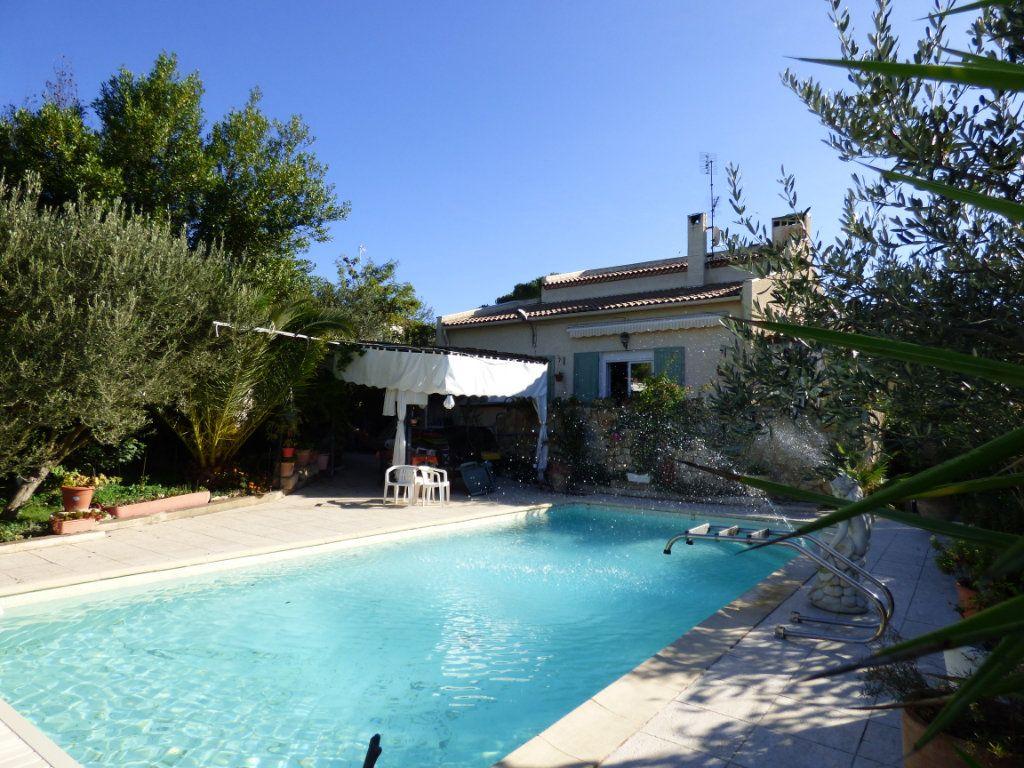 Maison à vendre 5 125m2 à Nîmes vignette-2