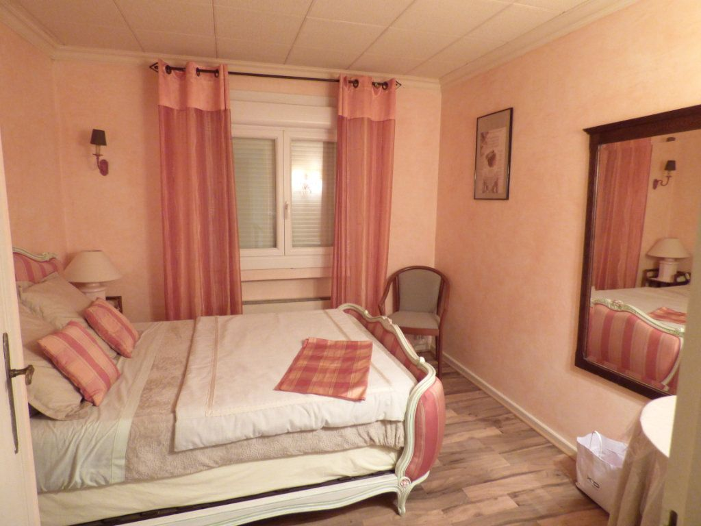 Maison à vendre 5 125m2 à Nîmes vignette-5