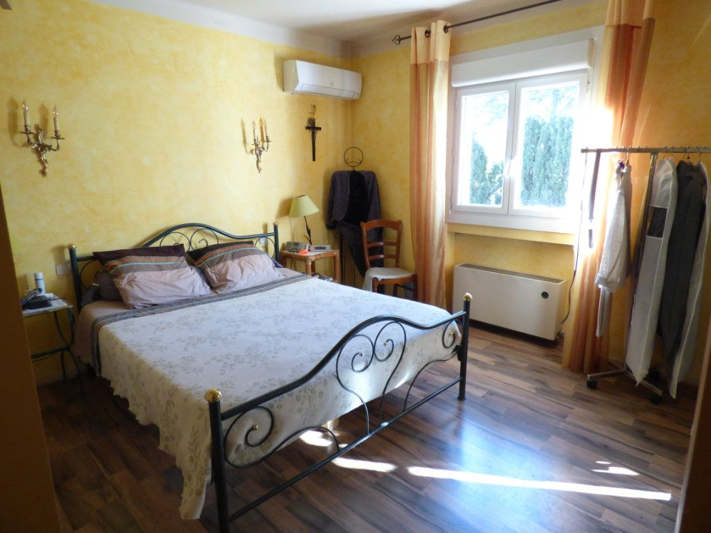 Maison à vendre 5 125m2 à Nîmes vignette-7