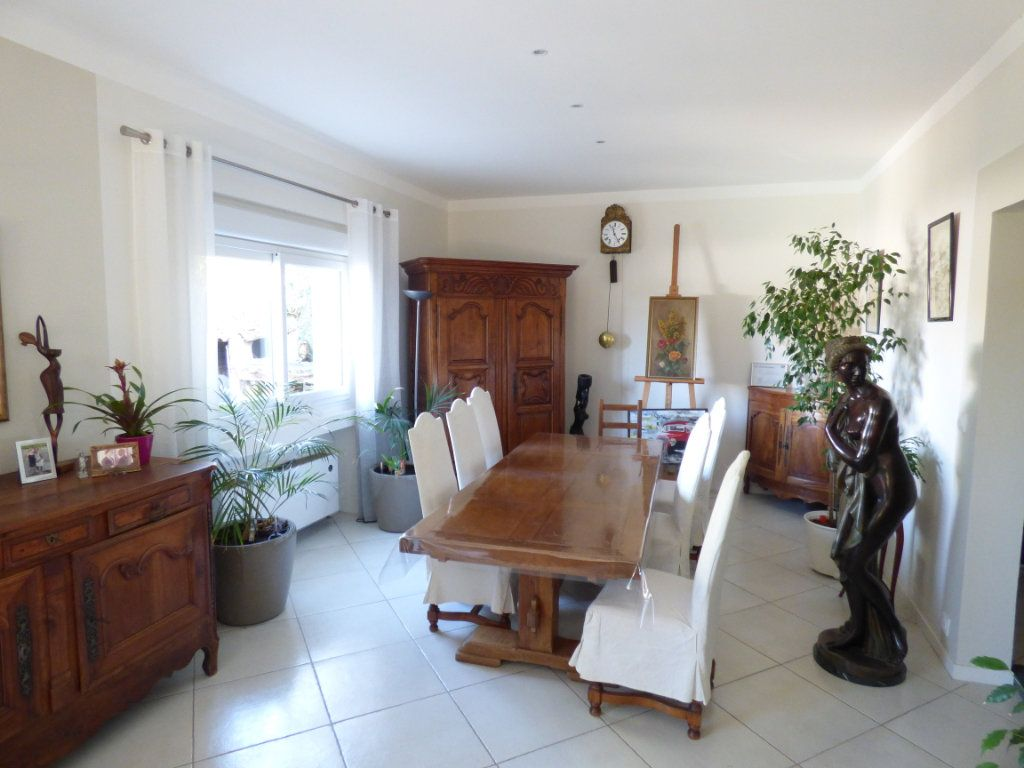 Maison à vendre 5 125m2 à Nîmes vignette-13