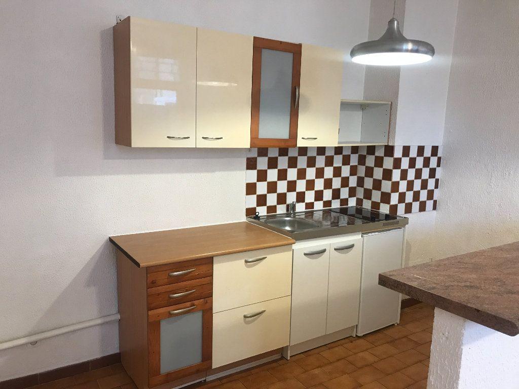 Appartement à louer 2 38.97m2 à Nîmes vignette-1
