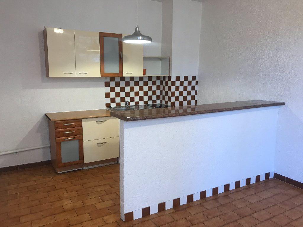 Appartement à louer 2 38.97m2 à Nîmes vignette-2