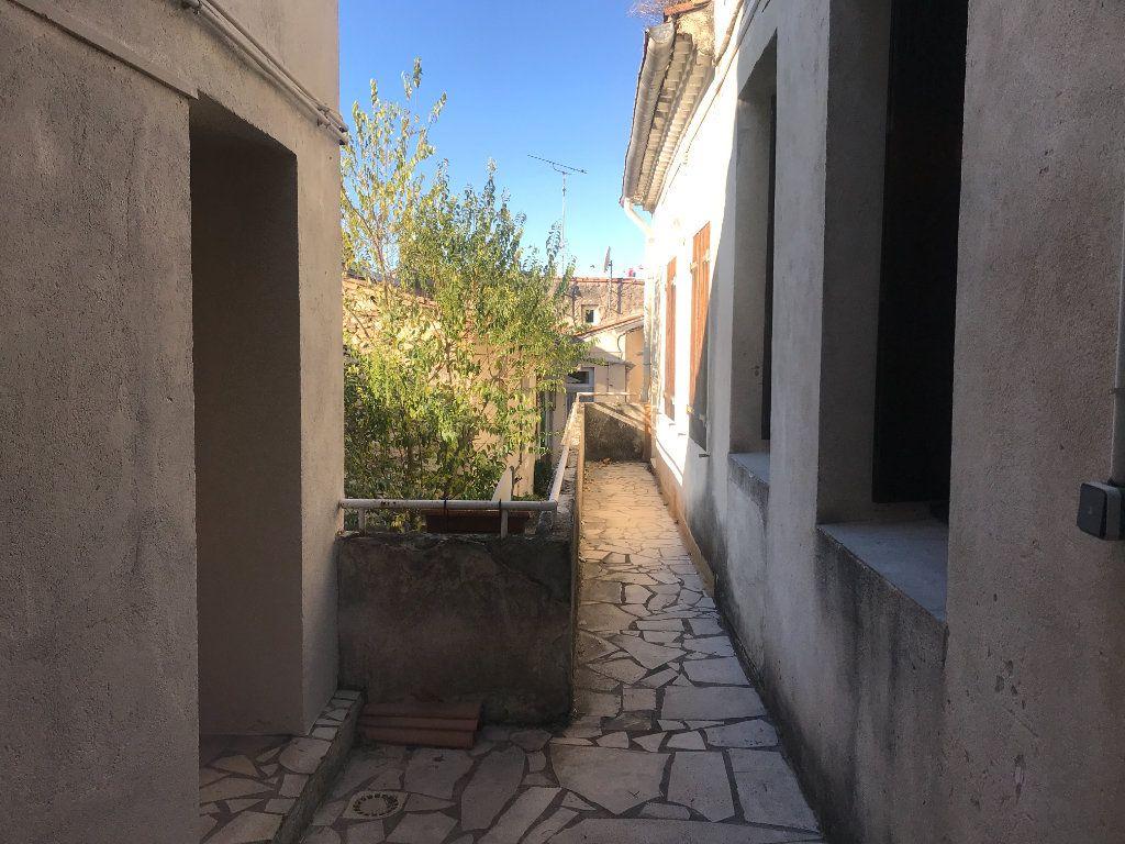 Appartement à louer 2 38.97m2 à Nîmes vignette-7