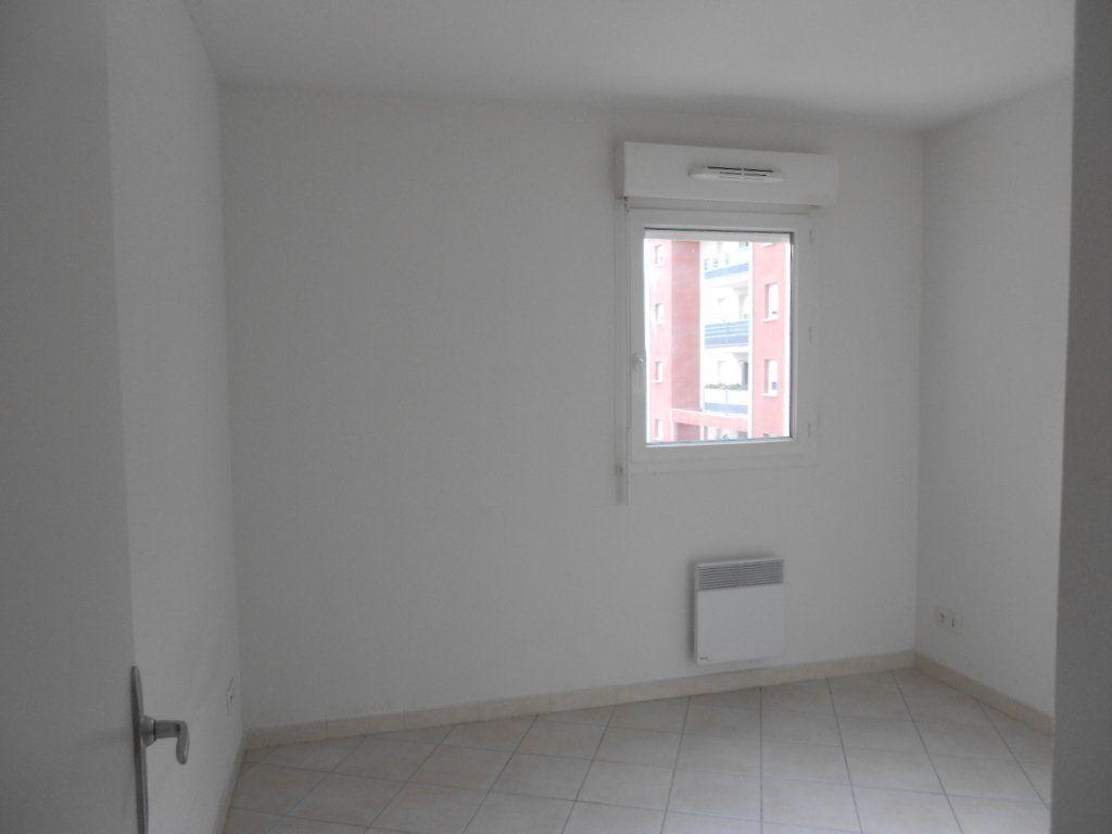 Appartement à louer 2 36.8m2 à Nîmes vignette-4