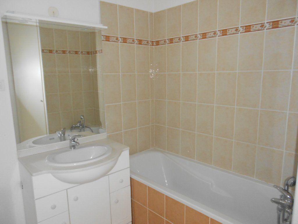 Appartement à louer 2 36.8m2 à Nîmes vignette-5