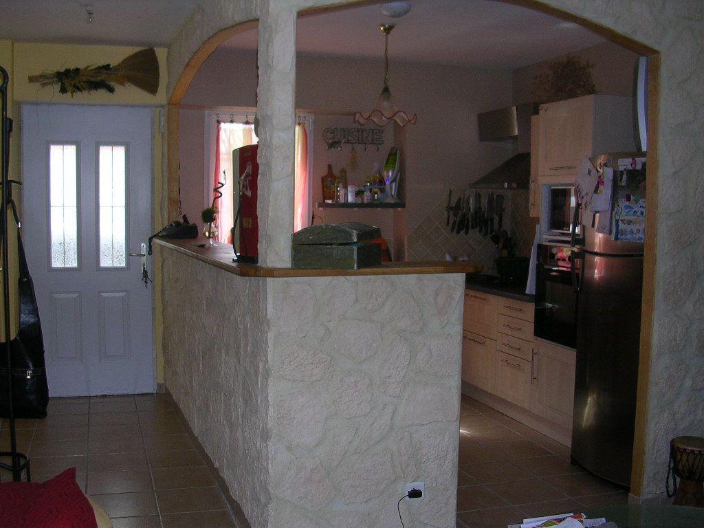 Maison à louer 5 90m2 à Jonquières-Saint-Vincent vignette-3