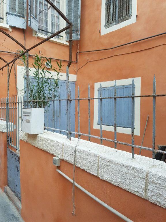 Appartement à louer 2 48m2 à Nîmes vignette-2