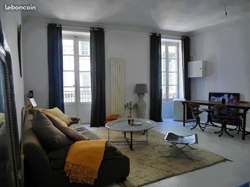 Appartement à louer 2 55m2 à Nîmes vignette-2