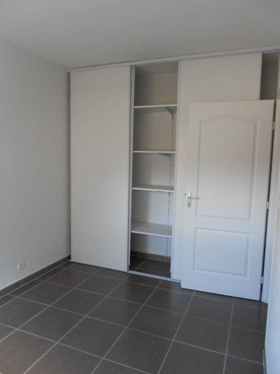 Appartement à louer 3 61.5m2 à Nîmes vignette-5