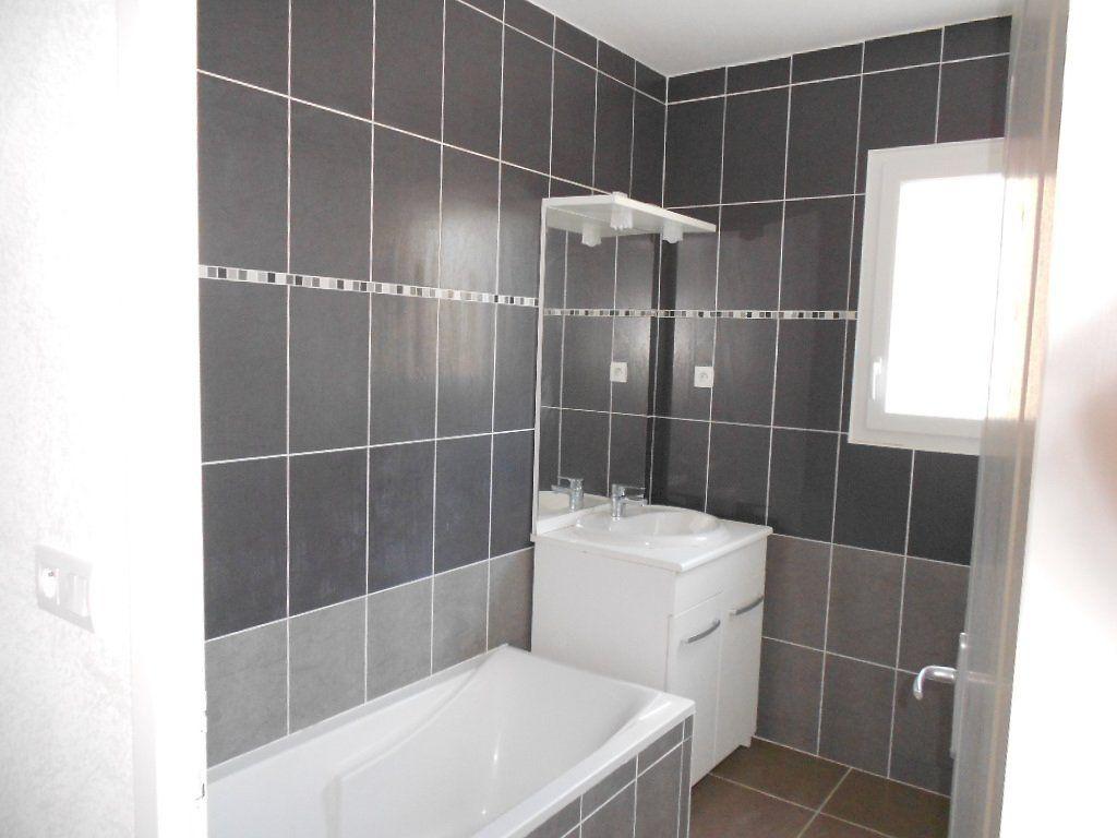Appartement à louer 3 61.5m2 à Nîmes vignette-7