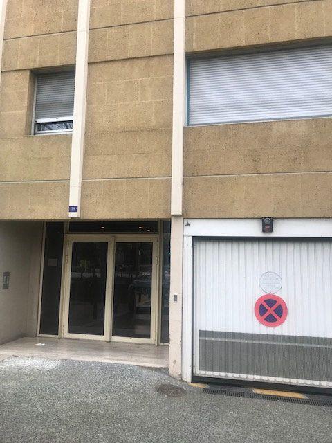 Stationnement à louer 0 0m2 à Nîmes vignette-1