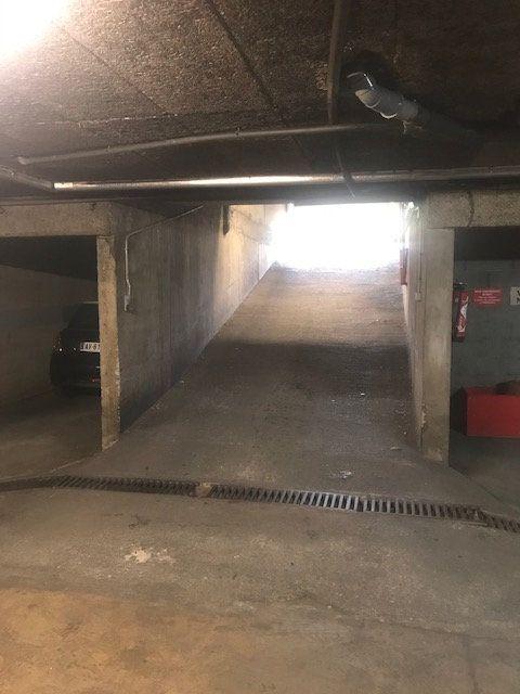 Stationnement à louer 0 0m2 à Nîmes vignette-3