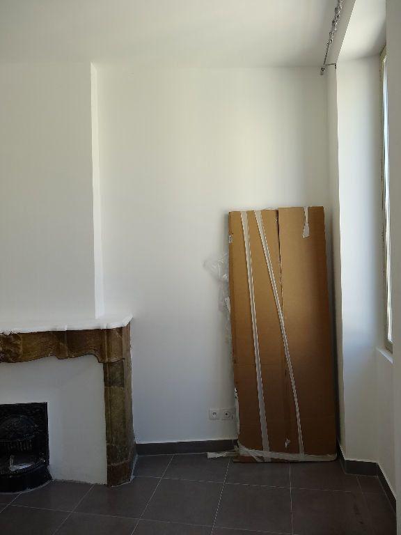 Appartement à louer 1 21.88m2 à Nîmes vignette-8