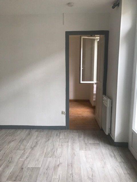 Appartement à louer 2 35m2 à Nîmes vignette-4