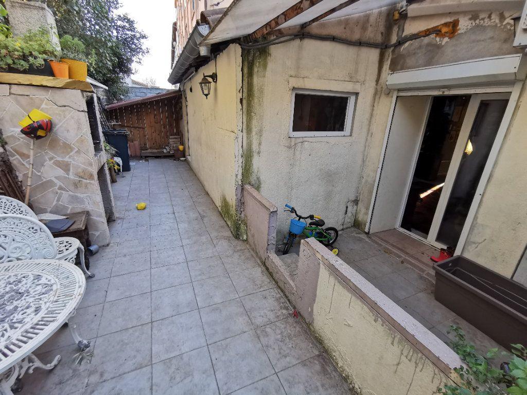 Maison à vendre 3 73m2 à Nîmes vignette-1