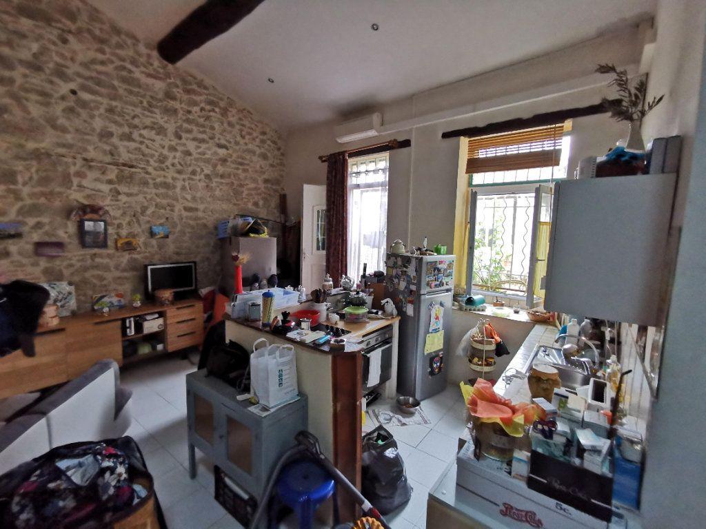Appartement à vendre 2 79m2 à Nîmes vignette-1