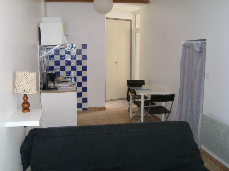 Appartement à louer 1 19m2 à Nîmes vignette-1