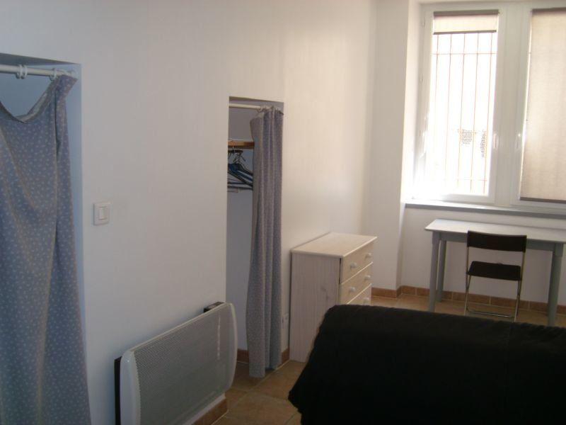 Appartement à louer 1 19m2 à Nîmes vignette-3