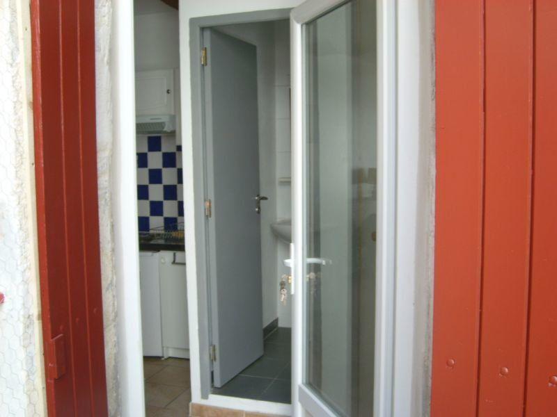 Appartement à louer 1 19m2 à Nîmes vignette-4