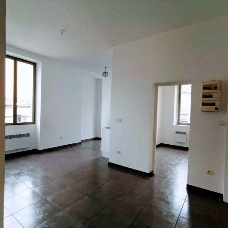 Appartement à louer 2 44m2 à Nîmes vignette-2