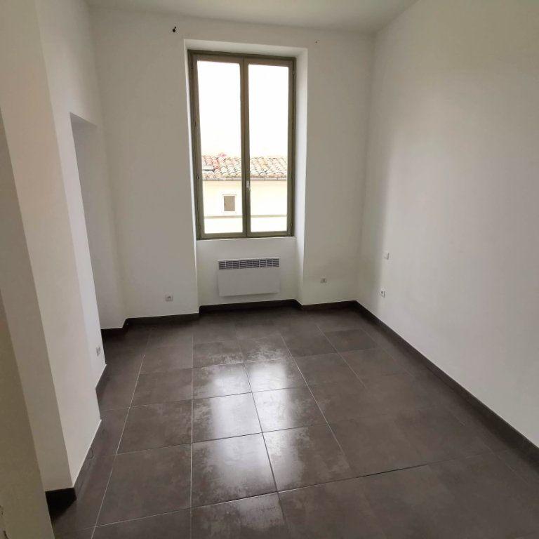 Appartement à louer 2 44m2 à Nîmes vignette-3