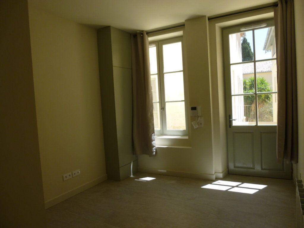Appartement à louer 1 19.06m2 à Nîmes vignette-4