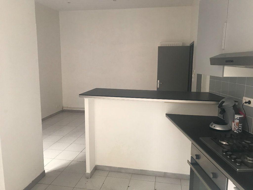 Appartement à louer 2 50m2 à Nîmes vignette-5
