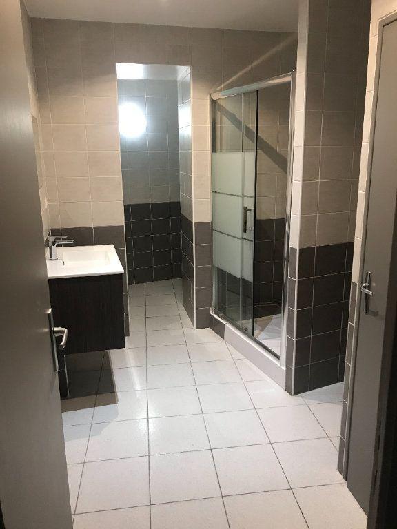 Appartement à louer 2 50m2 à Nîmes vignette-7