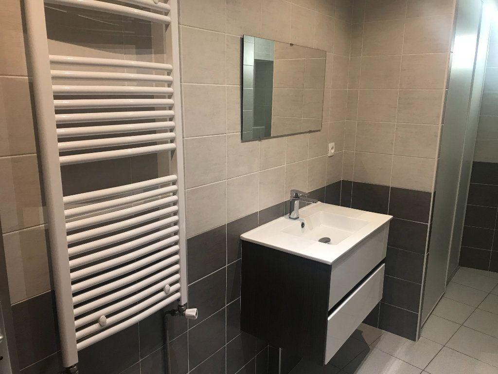 Appartement à louer 2 50m2 à Nîmes vignette-8