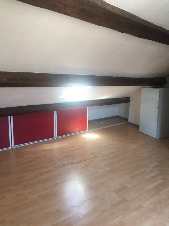 Appartement à louer 1 18m2 à Nîmes vignette-3