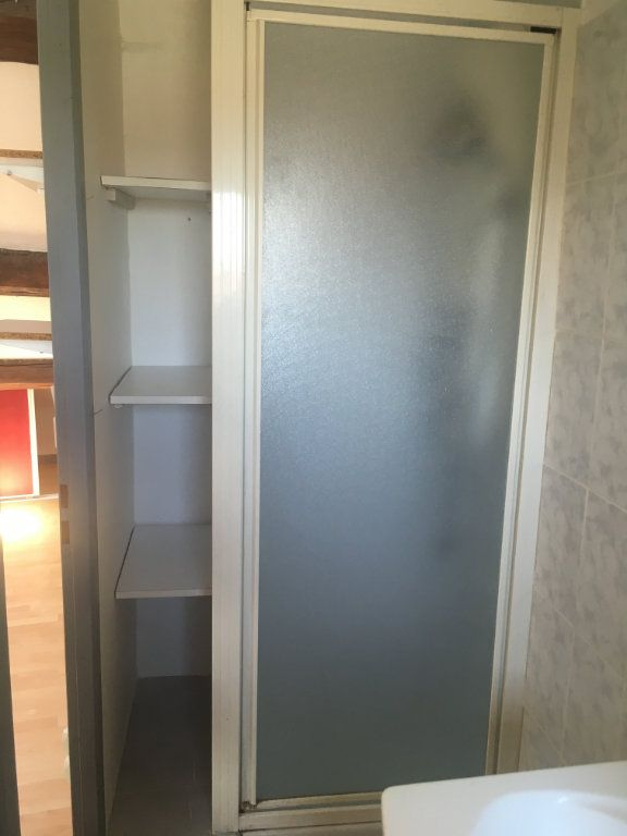 Appartement à louer 1 18m2 à Nîmes vignette-5