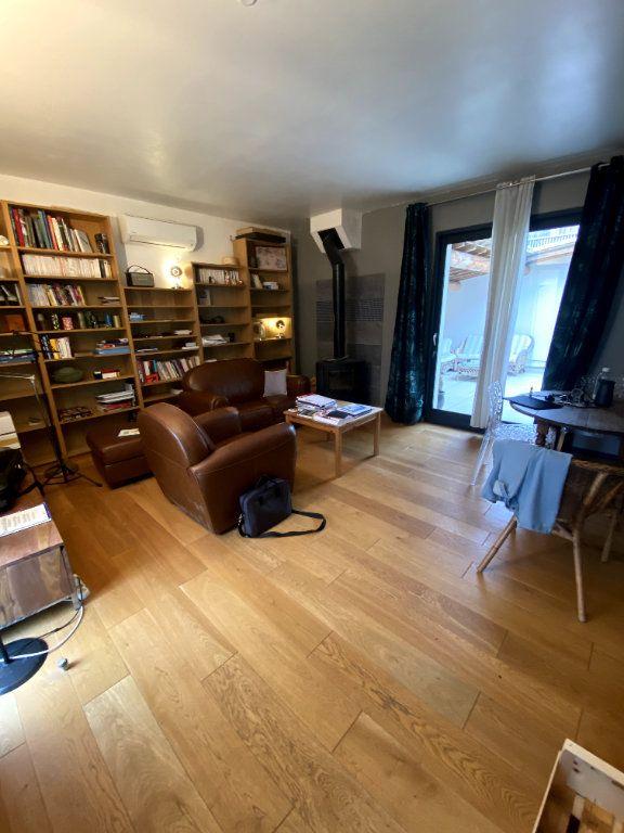 Appartement à vendre 7 164.1m2 à Nîmes vignette-2